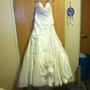 (NWT)(OVER 60% OFF )  WTOO by WATERS Wedding Dress